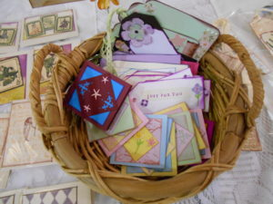 Gift cards & tags